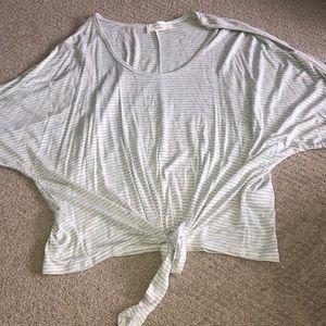 Tops - T shirt / crop top